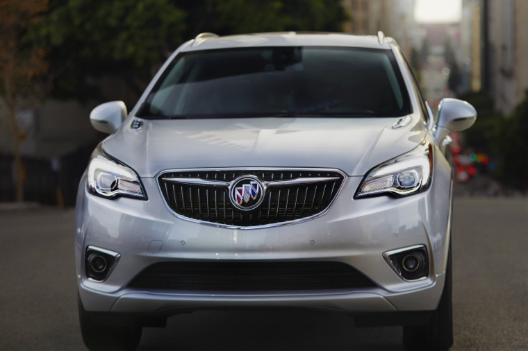 Picture of a 2019 Buick Envision AWD in Galaxy Silver Metallic from a frontal perspective