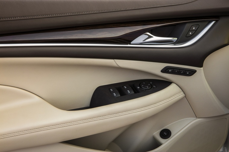 2017 Buick LaCrosse Door Panel Picture