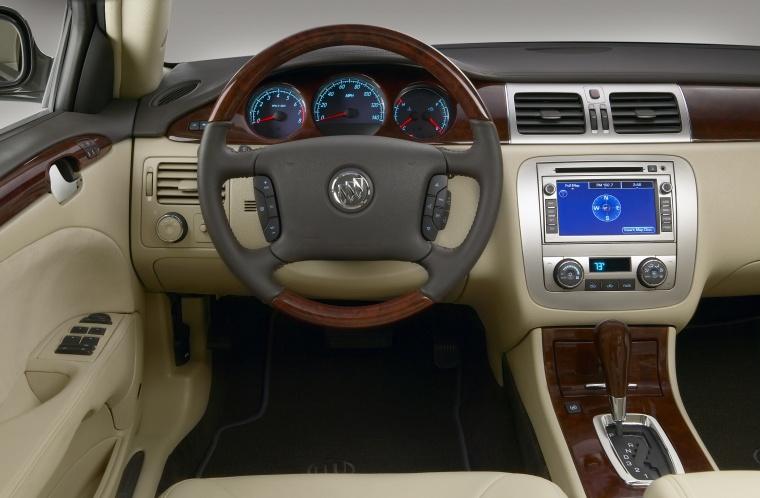 2010 Buick Lucerne Super Cockpit Picture