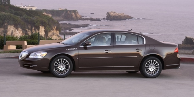 2011 Buick Lucerne Pictures