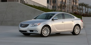 2013 Buick Regal Pictures