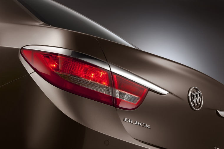 2013 Buick Verano Tail Light Picture