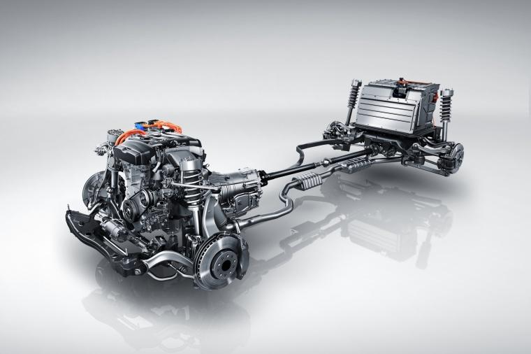 2018 Cadillac CT6 2.0E Plug-In Hybrid Powertrain Picture