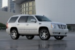 2013 Cadillac Escalade Hybrid in White Diamond Tricoat - Static Front Right Three-quarter View