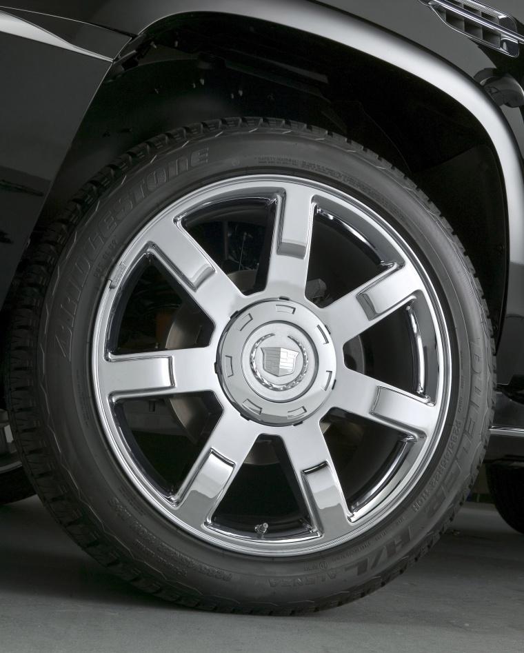 2014 Cadillac Escalade Rim Picture