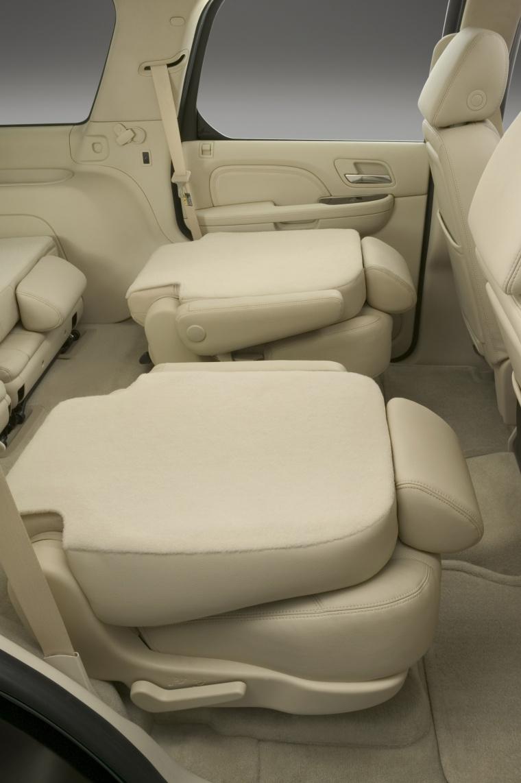 2014 Cadillac Escalade Rear Seats Picture