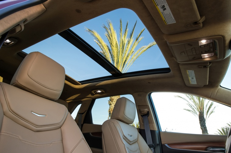 2018 Cadillac XT5 AWD Sunroof Picture
