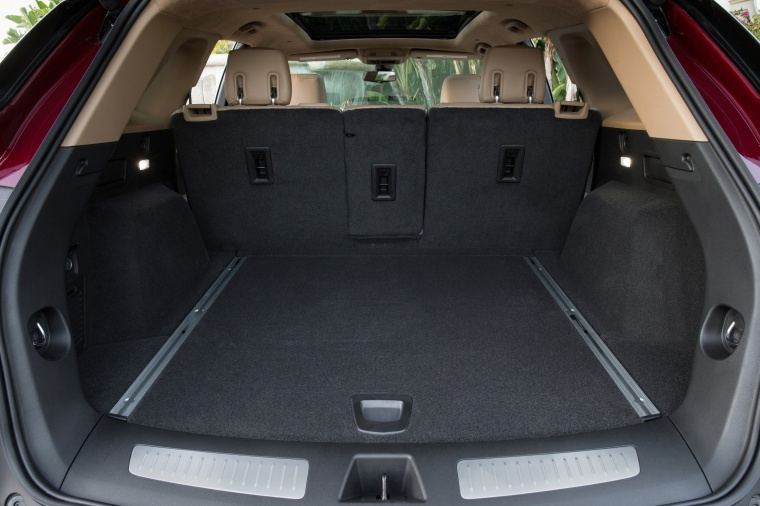 2018 Cadillac XT5 AWD Trunk Picture