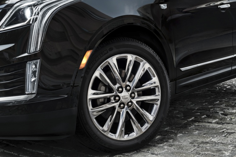 2018 Cadillac XT5 AWD Rim Picture