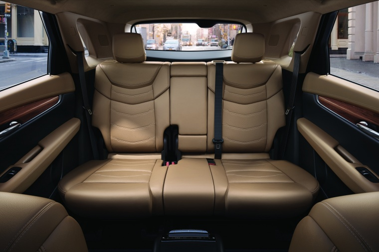 2018 Cadillac XT5 AWD Interior Picture