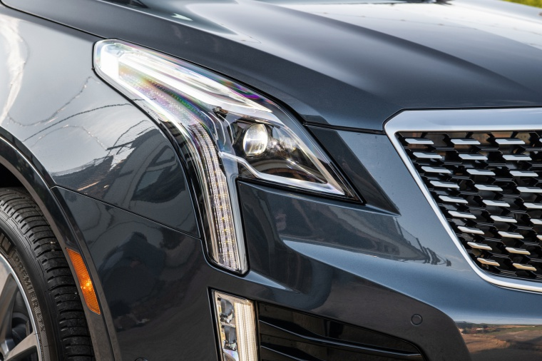 Picture of a 2020 Cadillac XT5 Premium Luxury AWD's Headlight