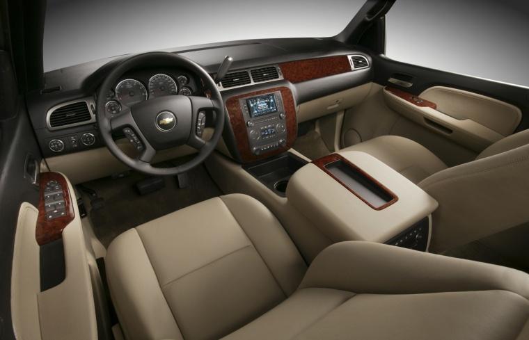 2010 Chevrolet Avalanche Interior Picture