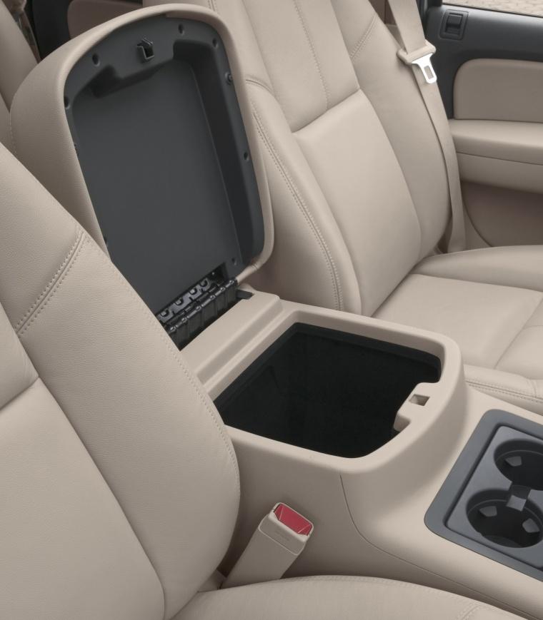 2011 Chevrolet Avalanche Center Console Storage Picture