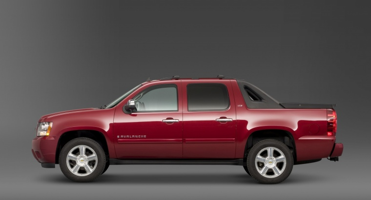 2011 Chevrolet Avalanche Picture