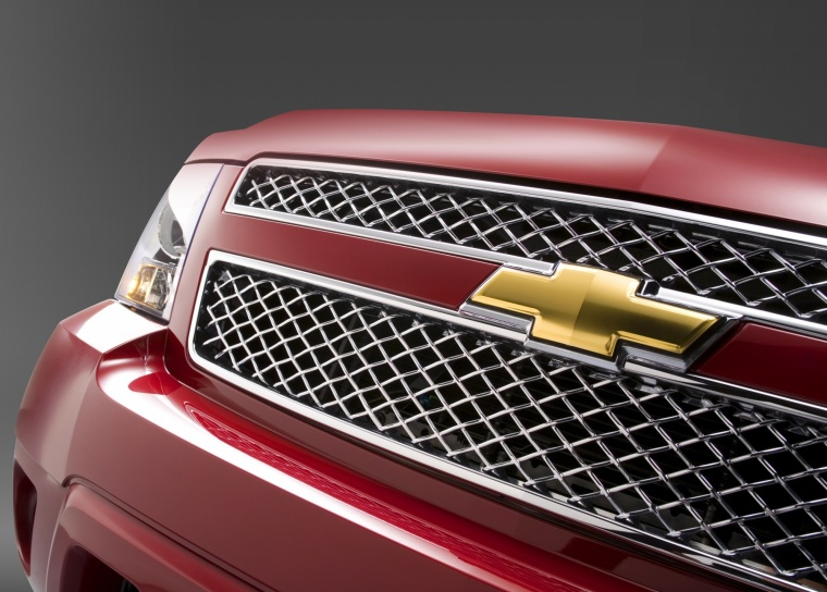 2011 Chevrolet Avalanche Grille Picture