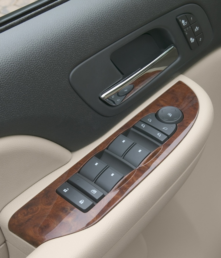 2012 Chevrolet Avalanche Window Controls Picture