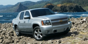 2012 Chevrolet Avalanche Pictures