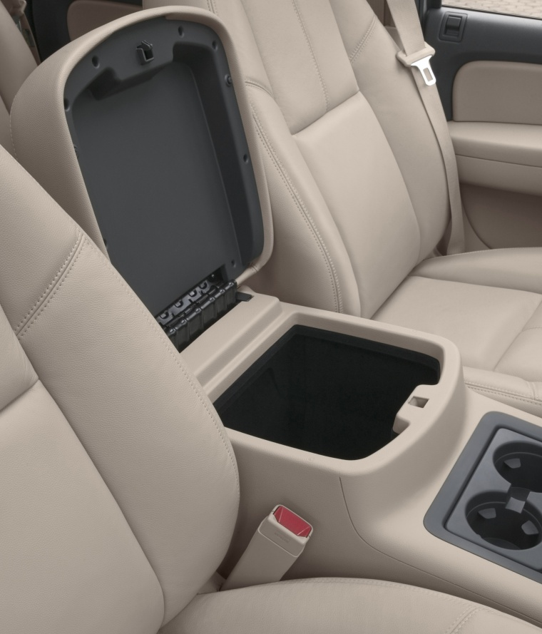 2013 Chevrolet Avalanche Center Console Storage Picture