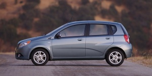2010 Chevrolet Aveo Reviews / Specs / Pictures / Prices