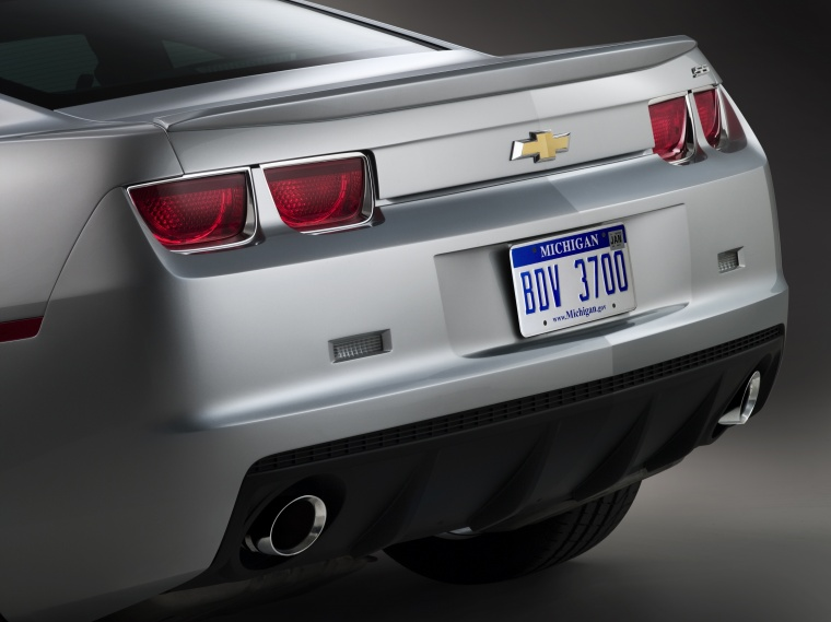 2010 Chevrolet Camaro SS Coupe Tail Lights Picture