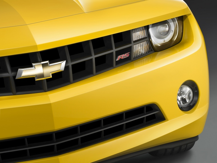 2011 Chevrolet Camaro RS Coupe Headlight Picture