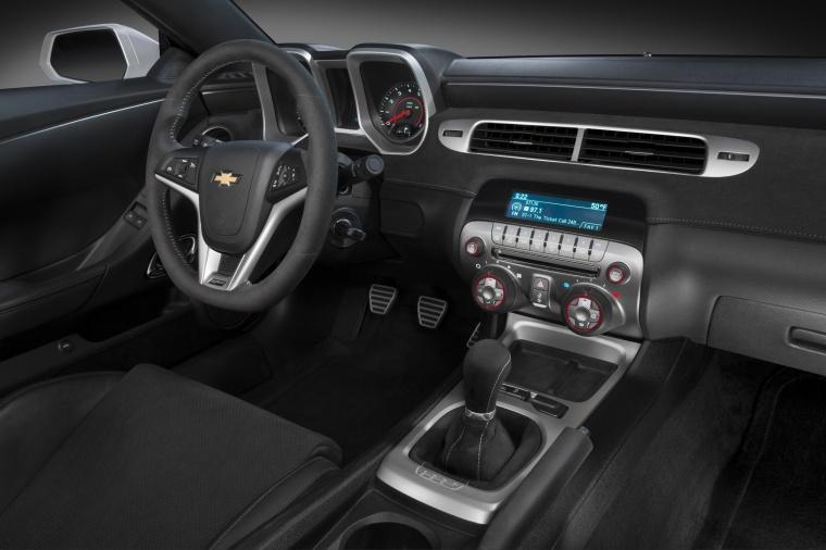 2014 Chevrolet Camaro Z/28 Coupe Interior Picture
