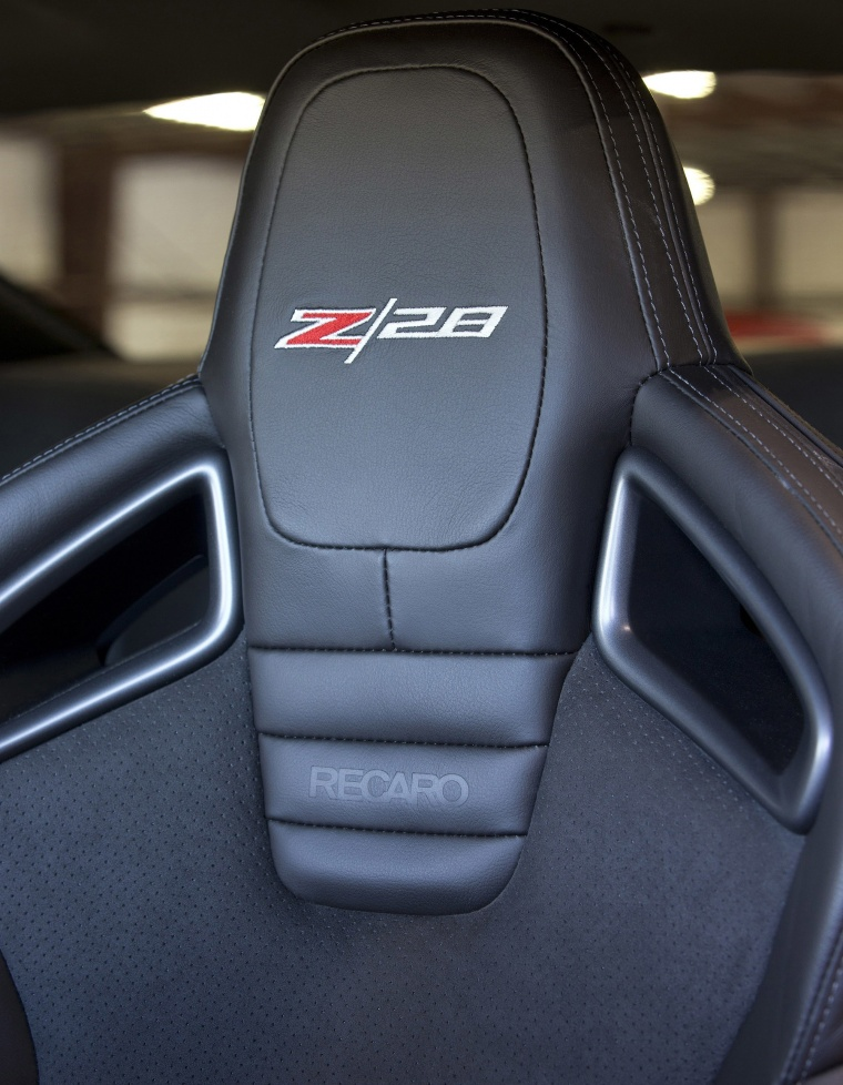 2014 Chevrolet Camaro Z/28 Coupe Front Seat Picture