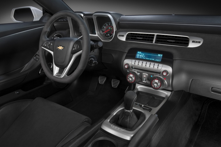 2015 Chevrolet Camaro Z/28 Coupe Interior Picture