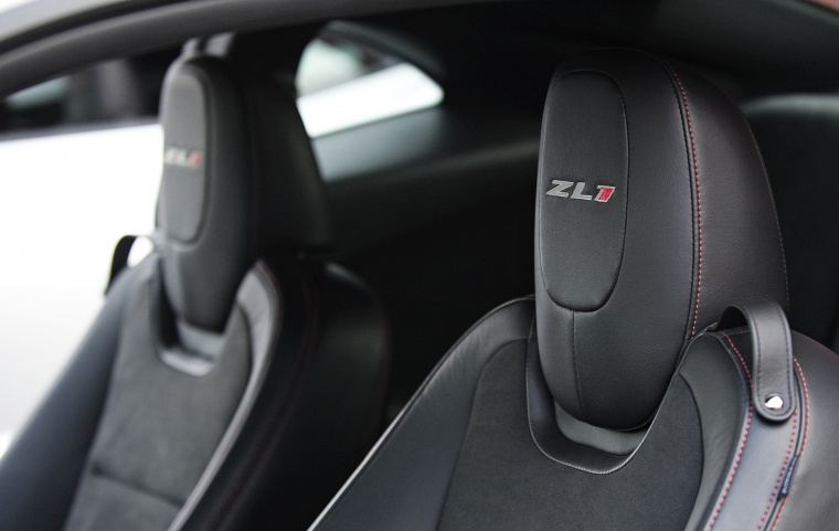 2015 Chevrolet Camaro ZL1 Coupe Front Seats Picture