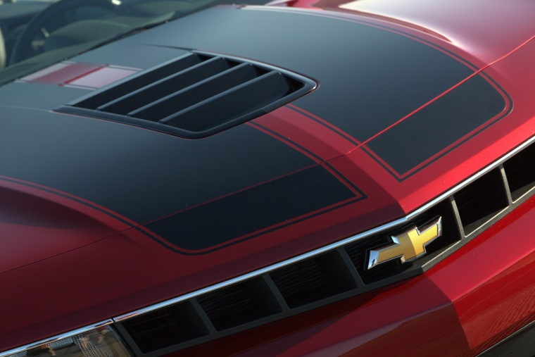 2015 Chevrolet Camaro SS Convertible Hood Picture