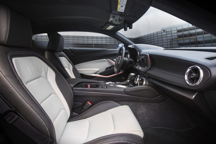 2016 Chevrolet Camaro RS Coupe Front Seats Picture