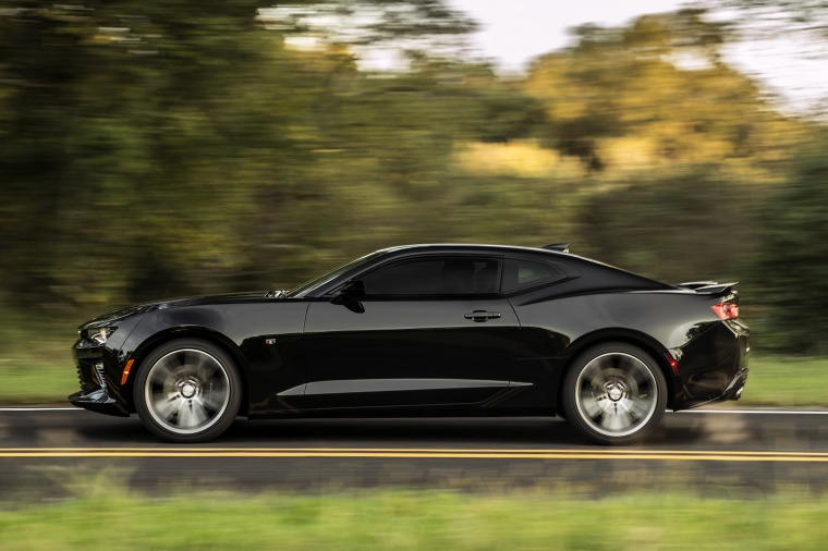2016 Chevrolet Camaro Ss Coupe In Black Color Driving