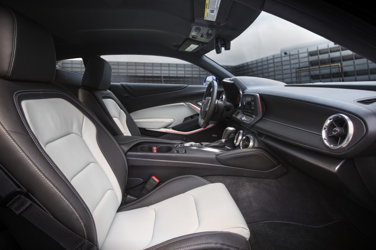 2017 Chevrolet Camaro RS Coupe Front Seats Picture