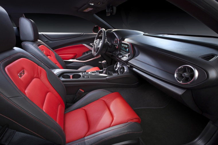 2017 Chevrolet Camaro SS Coupe Front Seats Picture