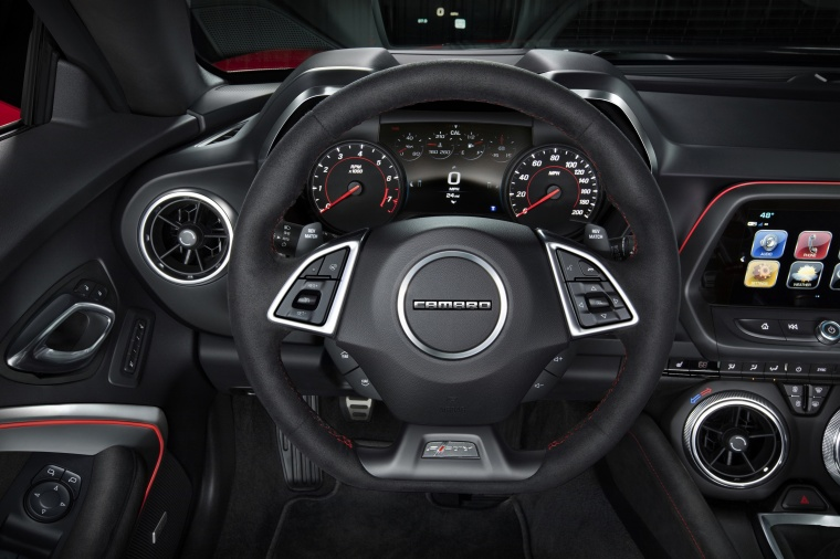2017 Chevrolet Camaro ZL1 Coupe Cockpit Picture