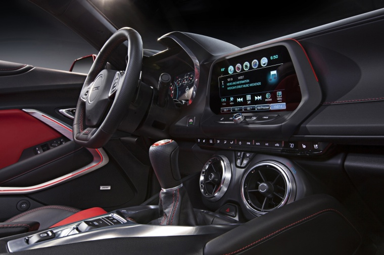 2018 Chevrolet Camaro SS Coupe Interior Picture