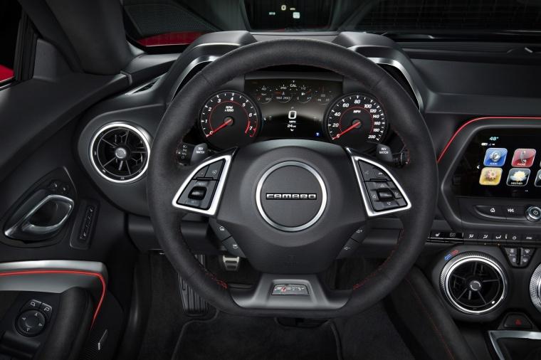 2018 Chevrolet Camaro ZL1 Coupe Cockpit Picture