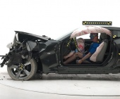 2018 Chevrolet Camaro IIHS Frontal Impact Crash Test Picture