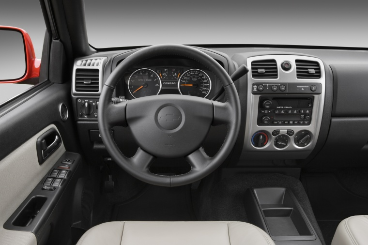 2012 Chevrolet Colorado Crew Cab Cockpit Picture