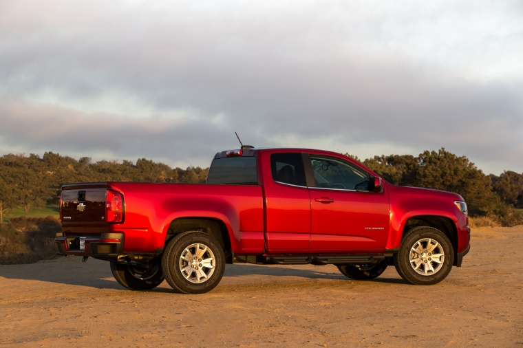 2015 Chevrolet Colorado Extended Cab in Red Rock Metallic from a side view