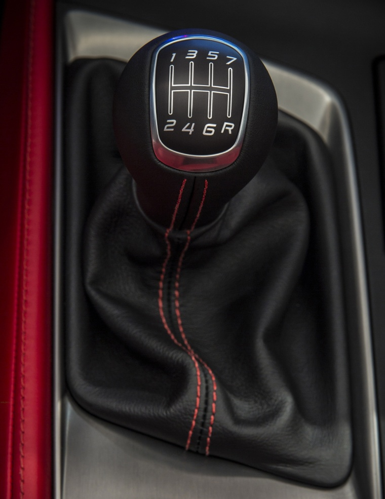 2016 Chevrolet Corvette Stingray Coupe Gear Lever Picture