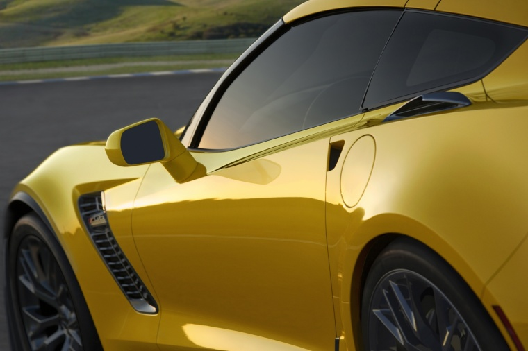 2016 Chevrolet Corvette Z06 Coupe Side Vent Picture