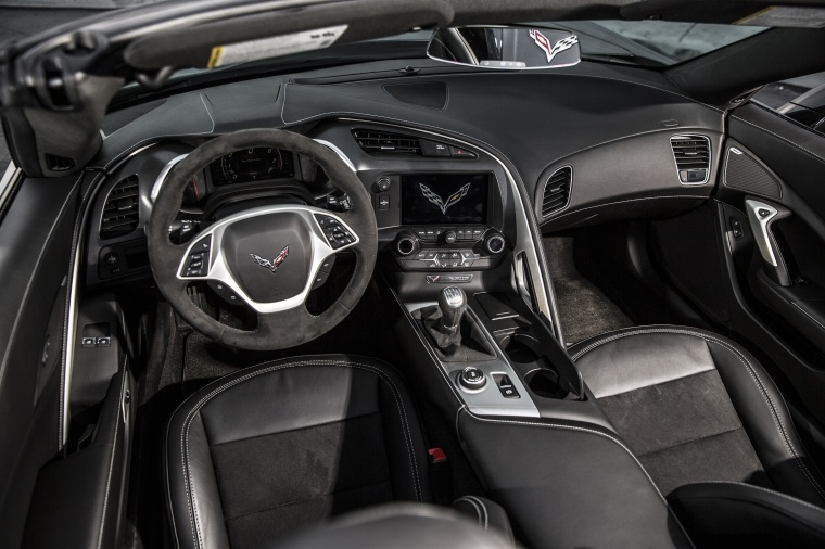 2016 Chevrolet Corvette Stingray Convertible Cockpit Picture