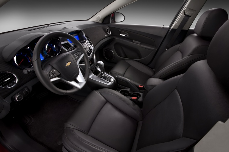 2015 Chevrolet Cruze Front Seats Picture