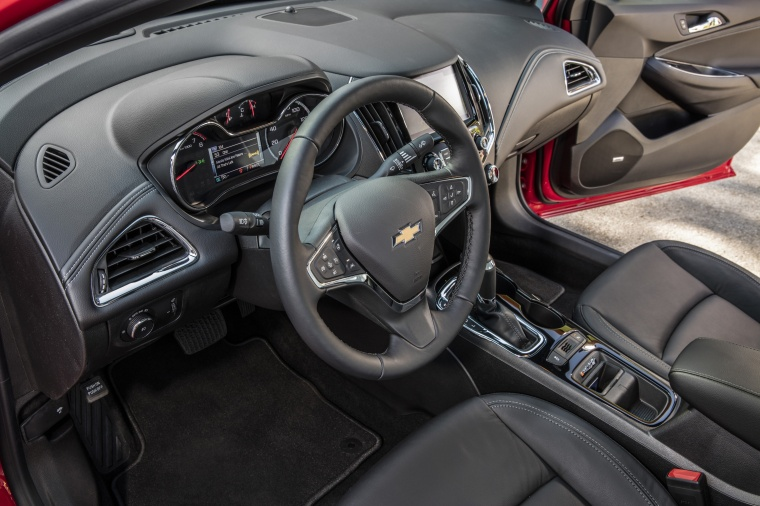 2018 Chevrolet Cruze Premier RS Sedan Interior Picture