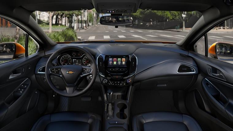 2018 Chevrolet Cruze Premier RS Hatchback Cockpit Picture
