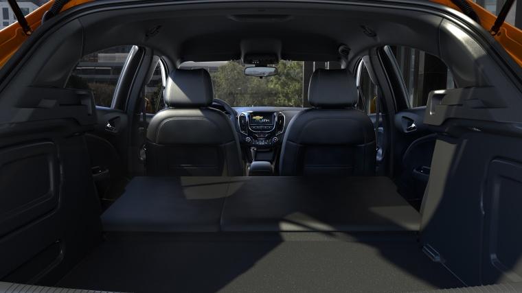 2018 Chevrolet Cruze Premier RS Hatchback Trunk Picture