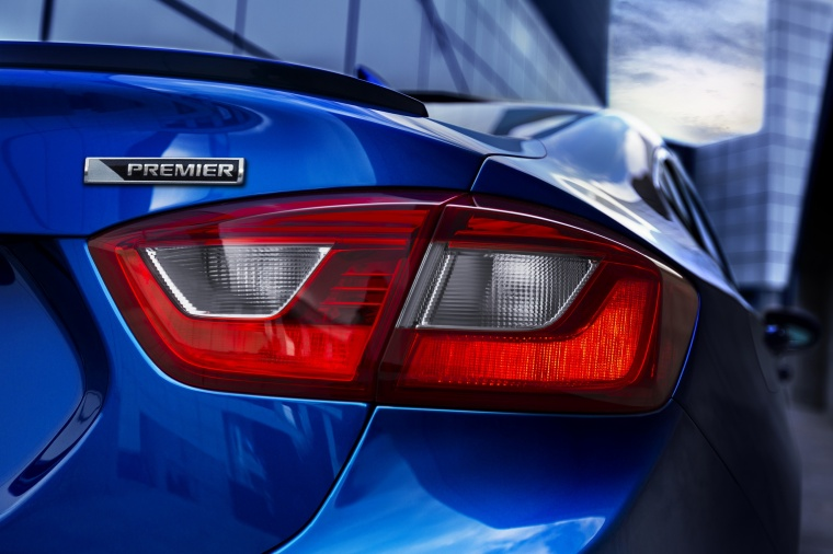 2018 Chevrolet Cruze Premier Sedan Tail Light Picture