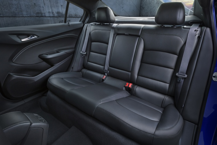 2018 Chevrolet Cruze Premier Sedan Rear Seats Picture