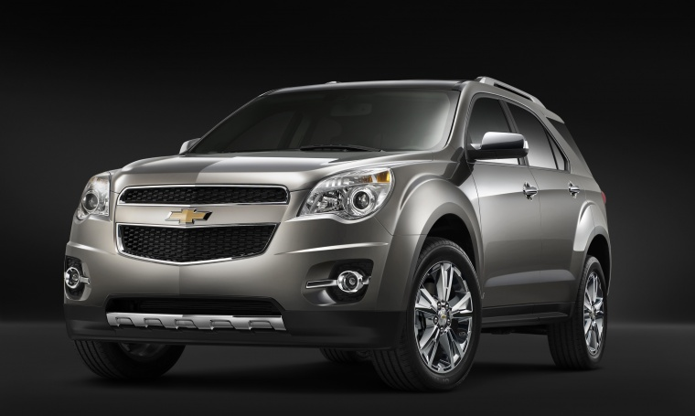 2012 Chevrolet Equinox in Silver Ice Metallic from a front left view